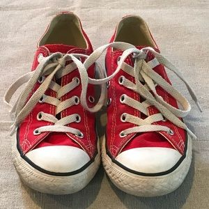 Red Converse All Star (Size 1.5)